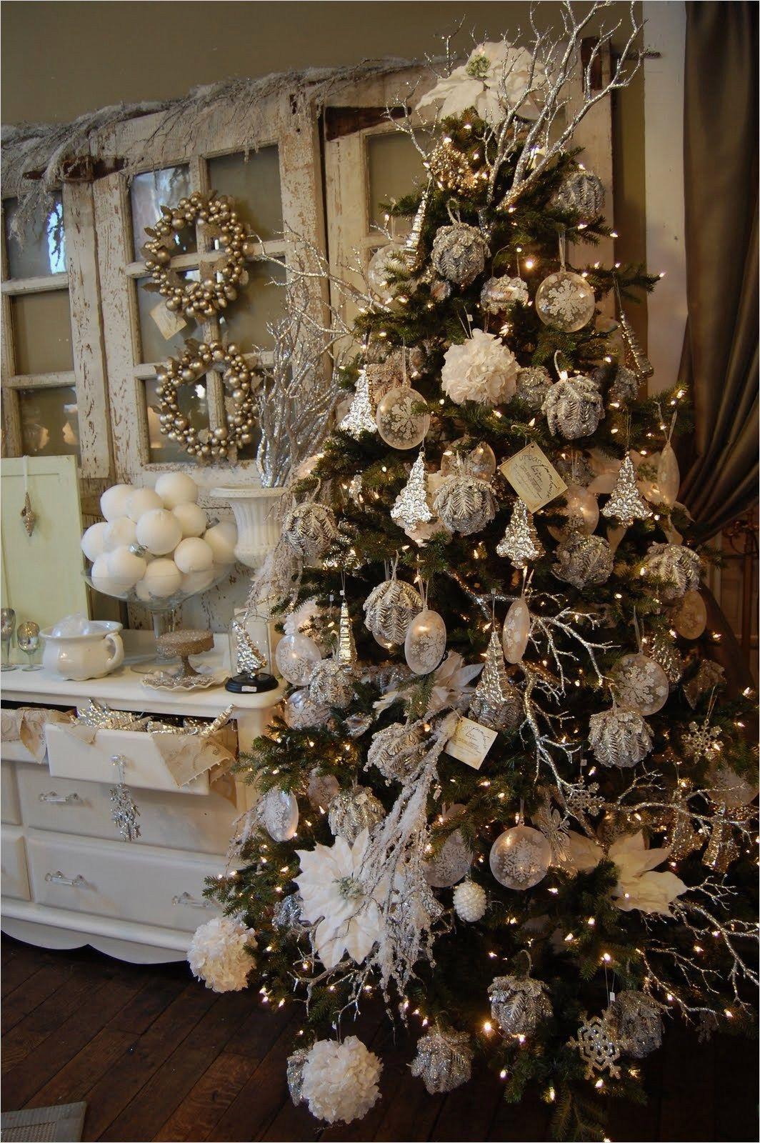 42 Beautiful Rustic Chic Christmas Decoration Ideas ...