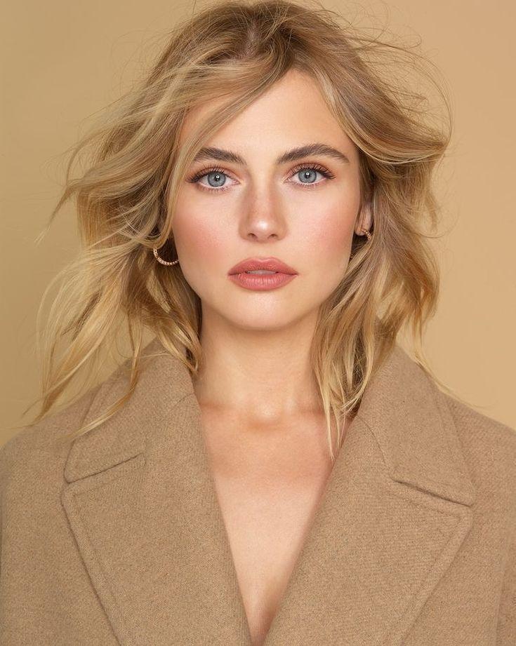 Maquillage bronze brillant pour les yeux bleus #yeux #bleu #bronze #glowy – Pinspace