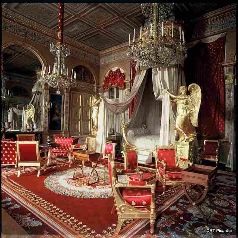 Chambre de lempereur du château de compiègne dans loise en picardie france plus