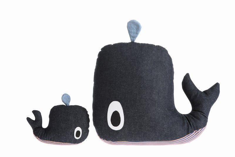 ferm LIVING - KIDS - 8053 Whale Cushion  tænker på din hval LK :-)