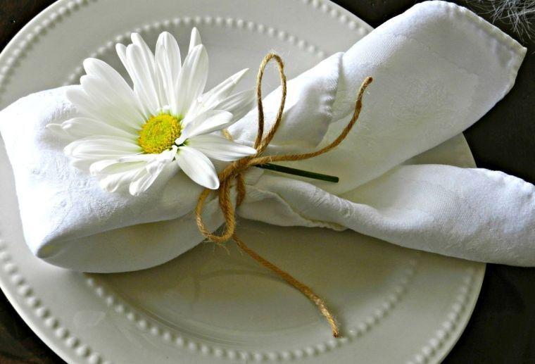 déco de table de fête - serviette pour Pâques