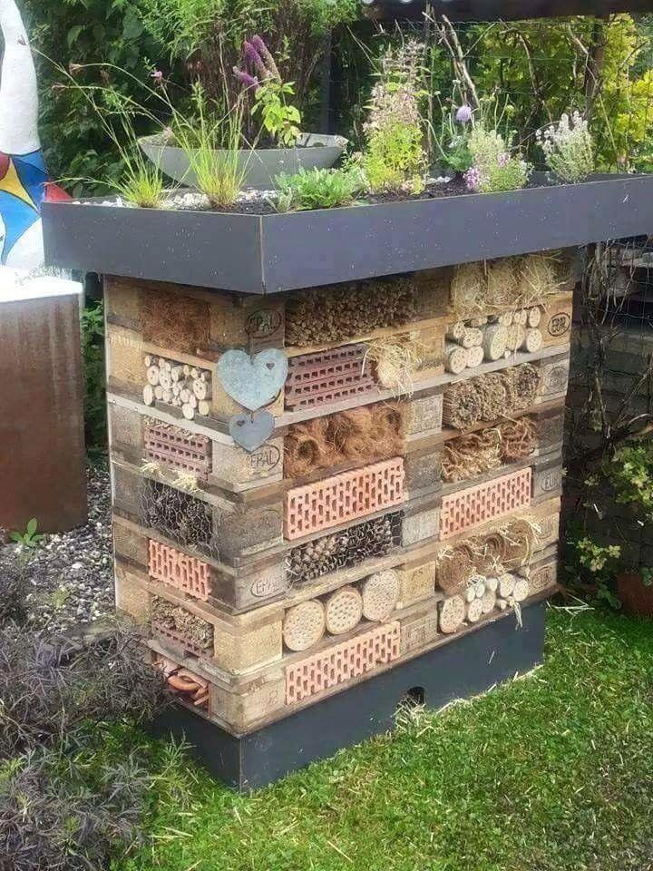 pin von eva dobbek auf inspirierend pinterest insektenhotel g rten und gartenideen. Black Bedroom Furniture Sets. Home Design Ideas