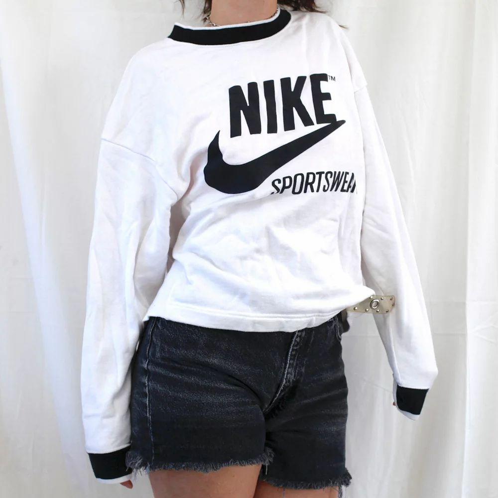 Vintage Nike Big Logo Pullover Crewneck Sweater S Thread On Arrival Crew Neck Sweater Vintage Nike Pullover [ 1000 x 1000 Pixel ]