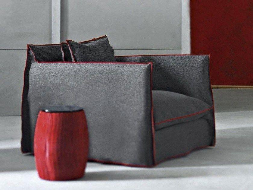 Sillon Con Funda Extraible Con Brazos Ghost 01 By Gervasoni Diseno Paola Navone Fabric Sofa Nordic Furniture Furniture