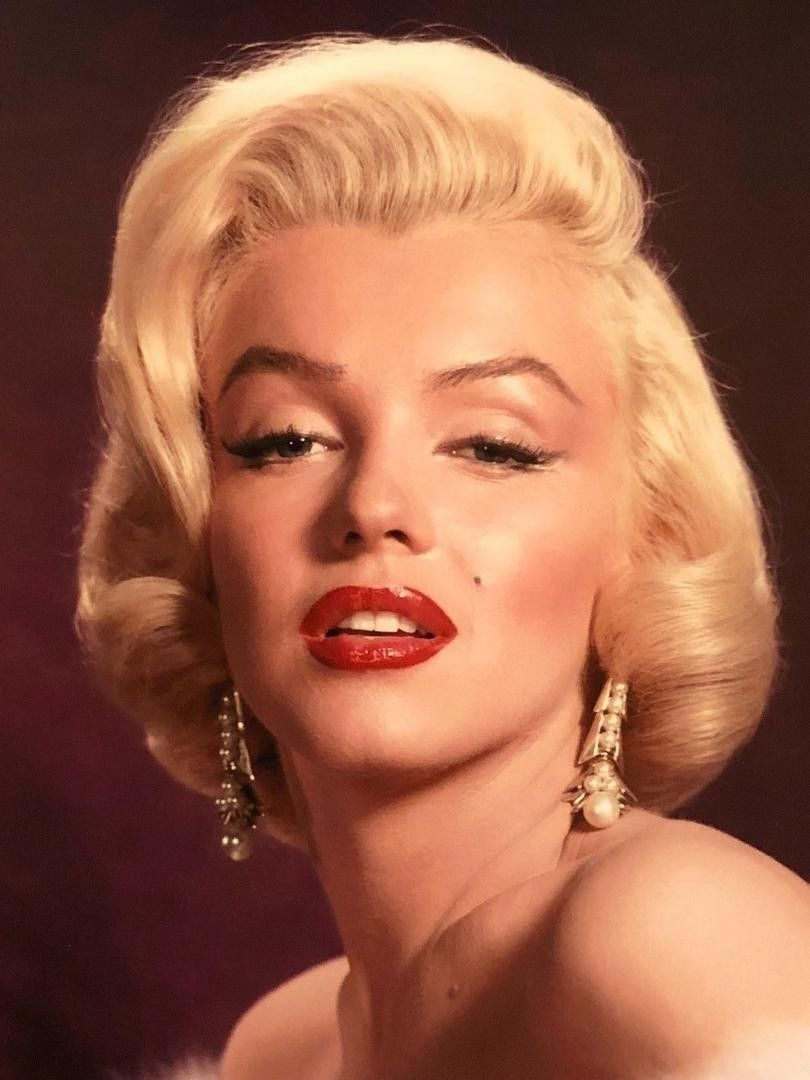 Marilyn Monroe, publicity still for Gentlemen Prefer Blondes. Photo by Frank Powolny, 1953.