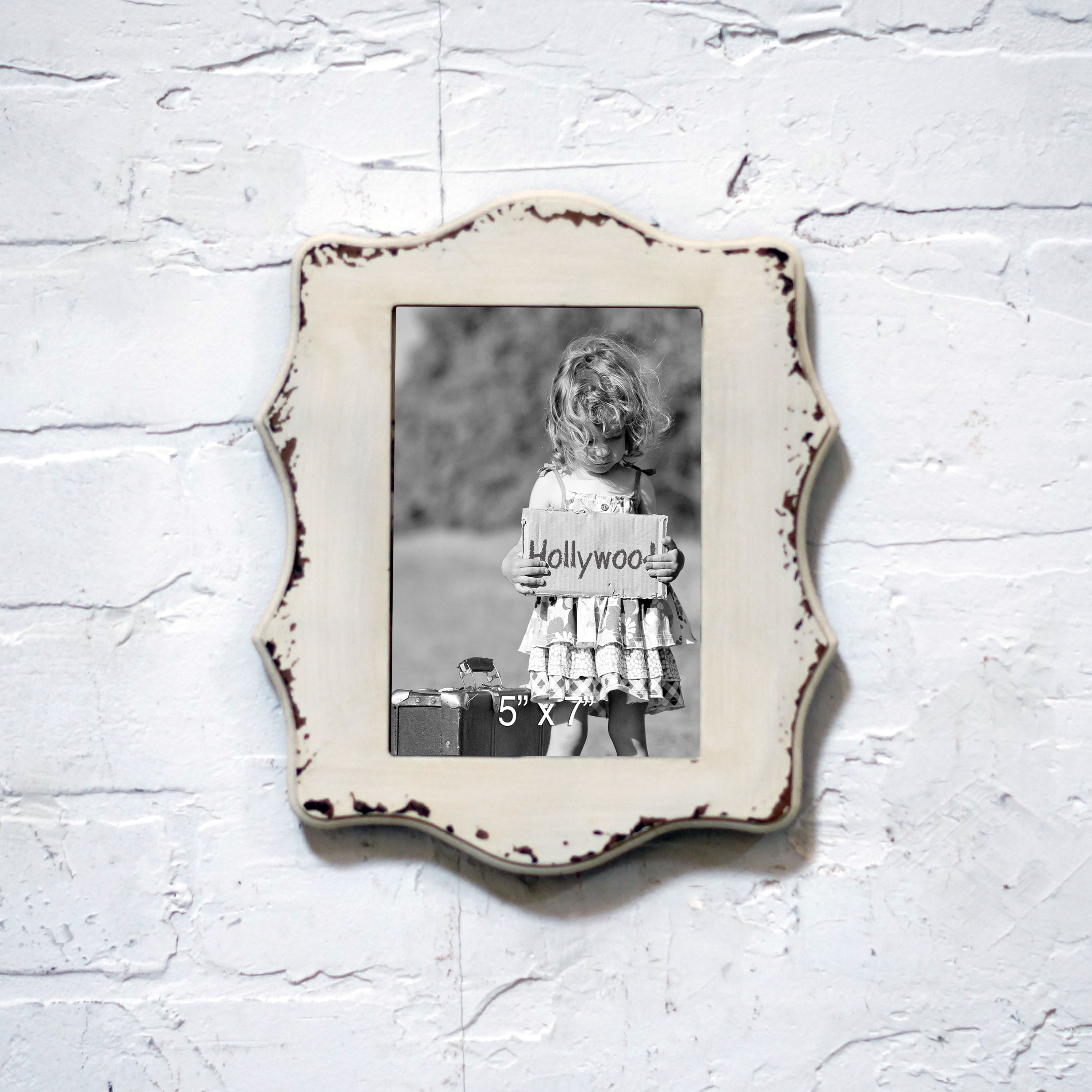 International mdf and 5 inch x 7 inch picture frame products international white mdf and glass 5 inch x 7 inch picture frame 5x7 frame wht jeuxipadfo Choice Image
