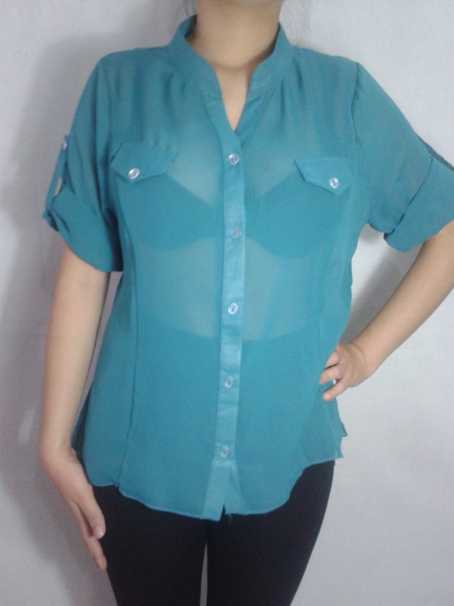Una blusa semitransparente es ideal para una ocasion formal o informal. Animate a usarla.