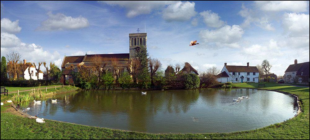 13th century Haddenham Church, Haddenham, Buckinghamshire ...
