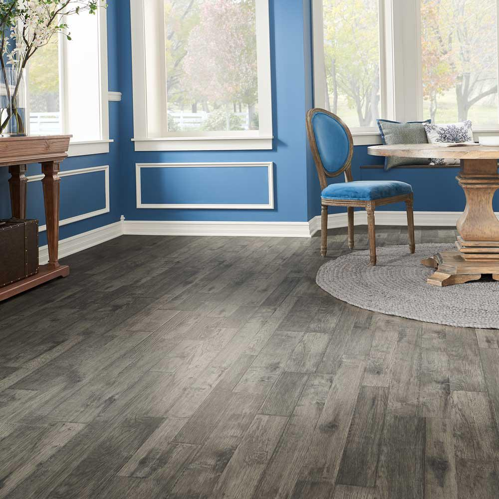 Pergo Outlast Ventura Pewter Hickory 10mm Thick X 7 1 2 In Wide X 47 1 4 In Length Laminate Flooring 549 64 Sq Ft Lf000959p The Home Depot Pergo Outlast Laminate Flooring Pergo