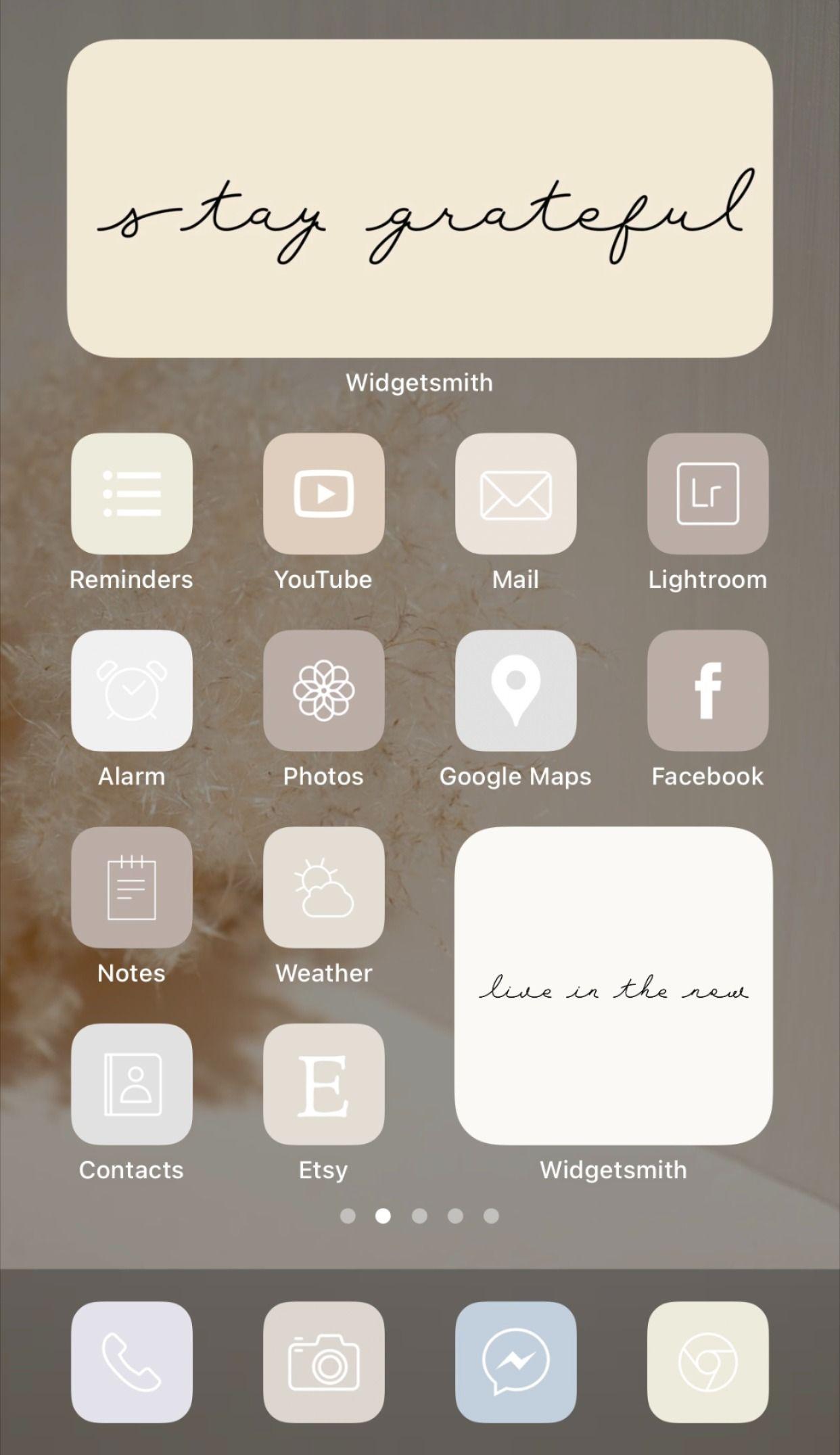16 light & dark wallpapers. Beige Cream White Aesthetic iPhone app icon home screen ...