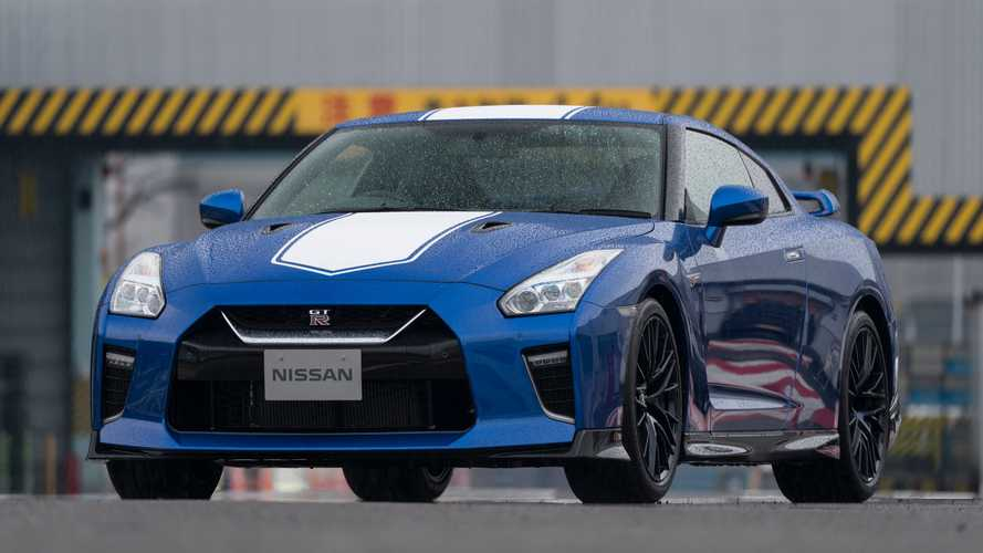 2020 Nissan Gt R Starts At 112 235 Tops Out At 212 435 In 2020 Nissan Gt Nissan Gtr Nissan Gt R