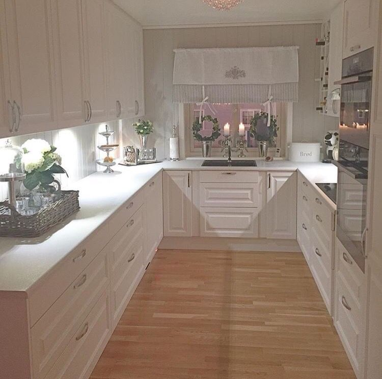 Pin By Martina Belzer On Home Cosy Kitchen Home Decor Kitchen Kitchen Design