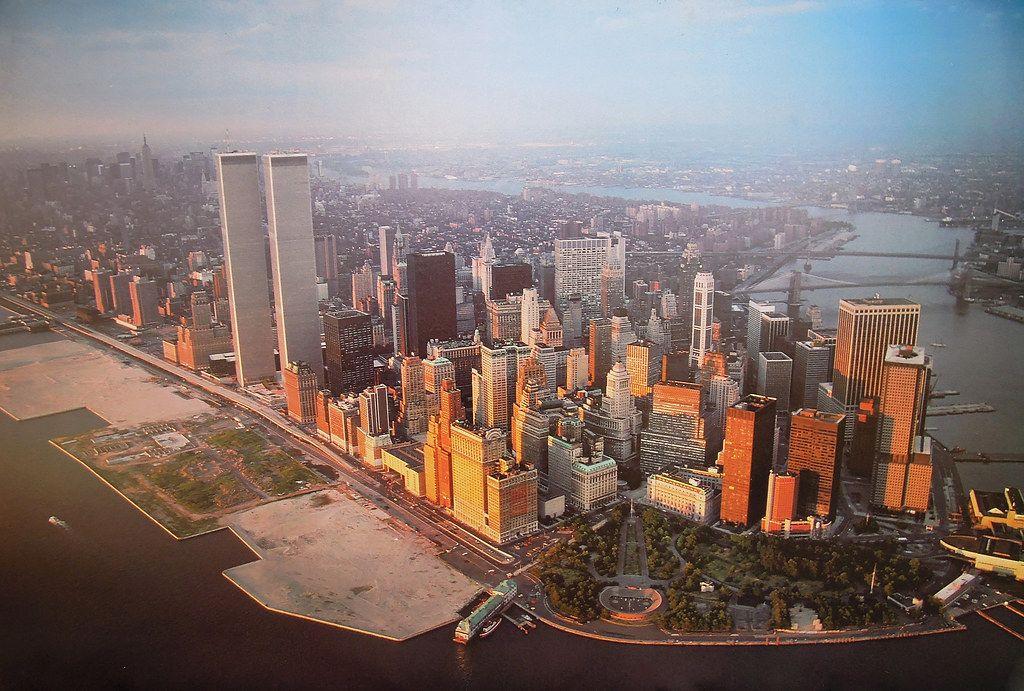 NEW YORK 45 Broad Street 366m 1200ft 68 fl U/C