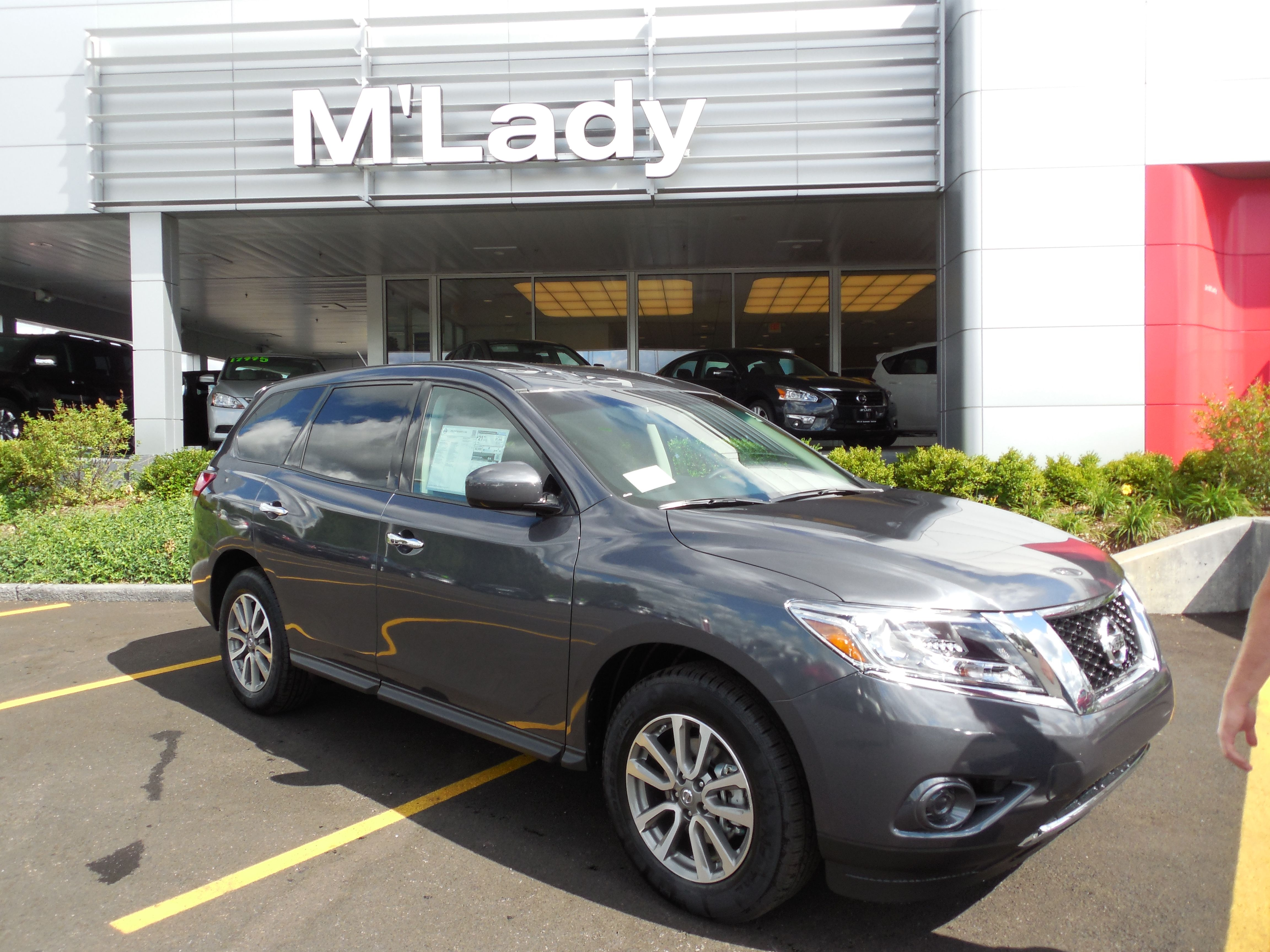 2014 Nissan Pathfinder M'Lady Nissan 5656 Northwest Highway, Crystal