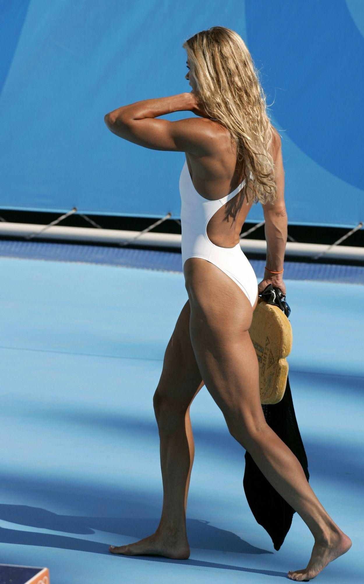 female muscle swimmer pics