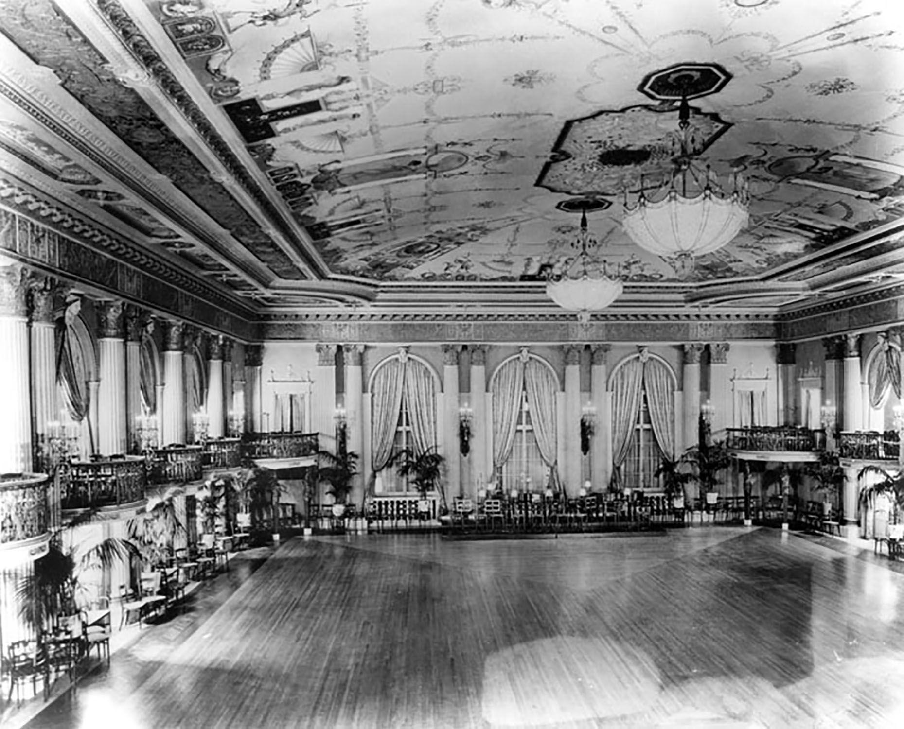 Biltmore Hotel' Ballroom. Los