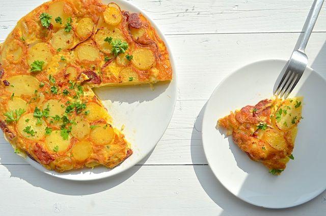 Aardappeltortilla met chorizo - Uit Paulines Keuken