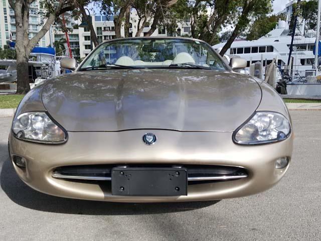 BEAUTIFUL 1998 Jaguar XK8