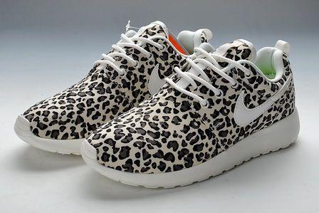 aniamal print Womens Roshe  Leopard Print Nike Roshe Run For Women   Black White