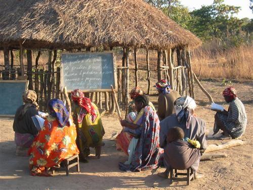 MBUNDU (AMBUNDU) PEOPLE: ANGOLA`S MATRIARCHAL TRIBE THAT RULED THE