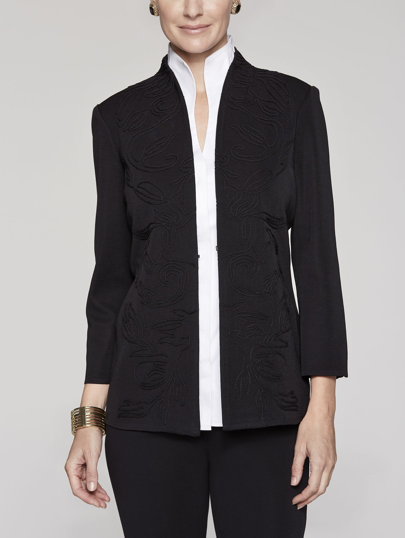 A jacket with chic finishes that motivates you to go back to work this  week.  Misook  MisookMoment  FashionForward  InstaFashion  AgelessStyle c079fbf6b