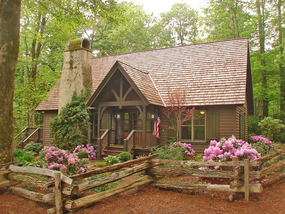 Want want want this sweet little cabin make mine rustic for Cottage in the mountains