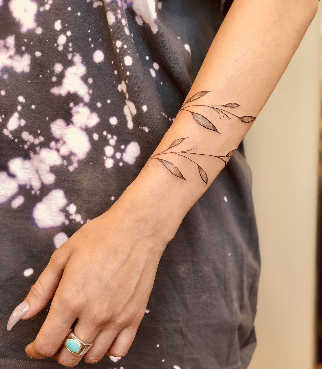 20 Fall-Inspired Tattoos That Show Off the Dreamie