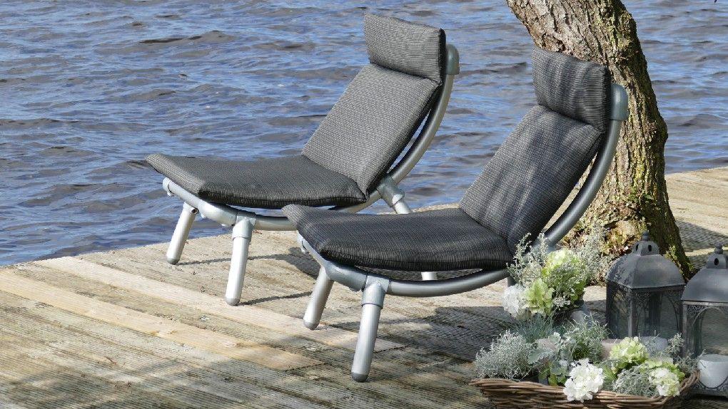 Tuinstoel Ligstoel Wit.Lounge Stoel Buiten Op Het Terras Met All Weather Kussens In