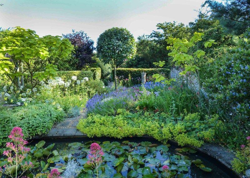 Norfolk Ngs Gardens In Full Colour Gorgeous Gardens Norfolk Color
