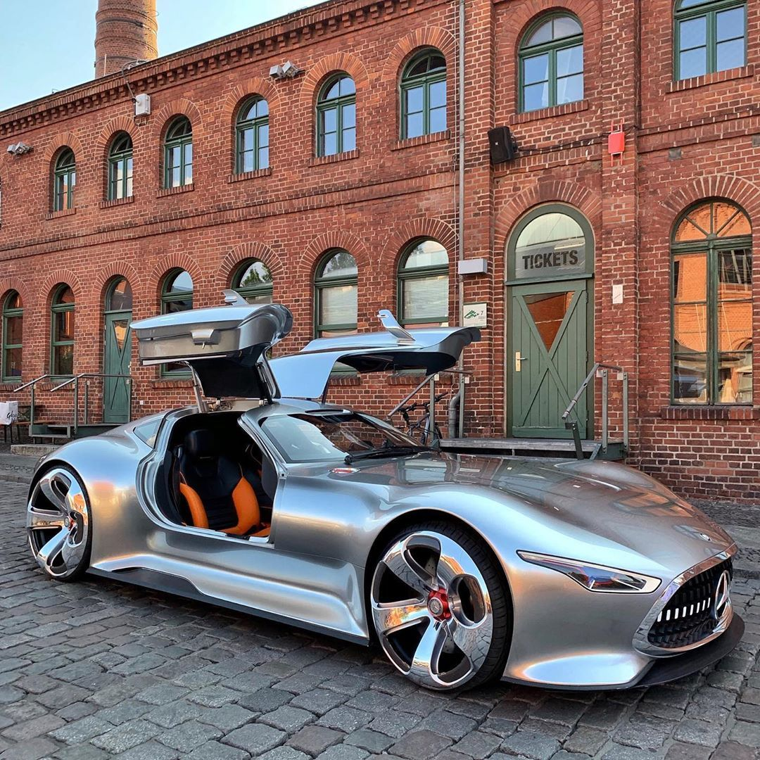 Starstruck We Met Supercarblondie And We Couldn T Wait To Share The News With You Super Cars Amazing Cars Mercedes Benz Cars
