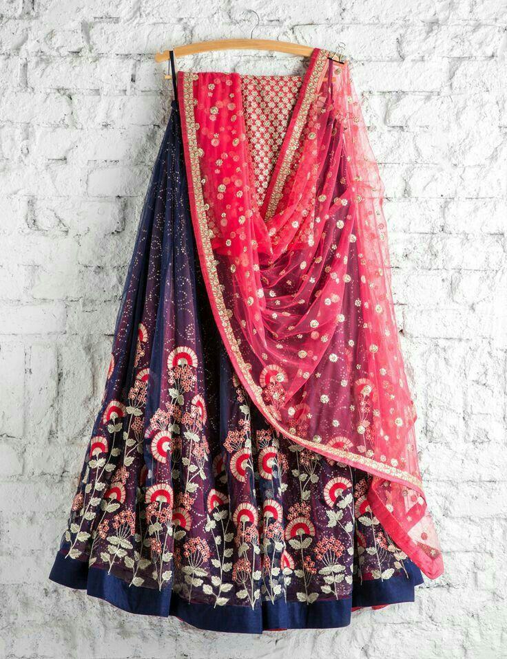 Pin de Shivdeep Kaur en Lehnga L♡ve | Pinterest