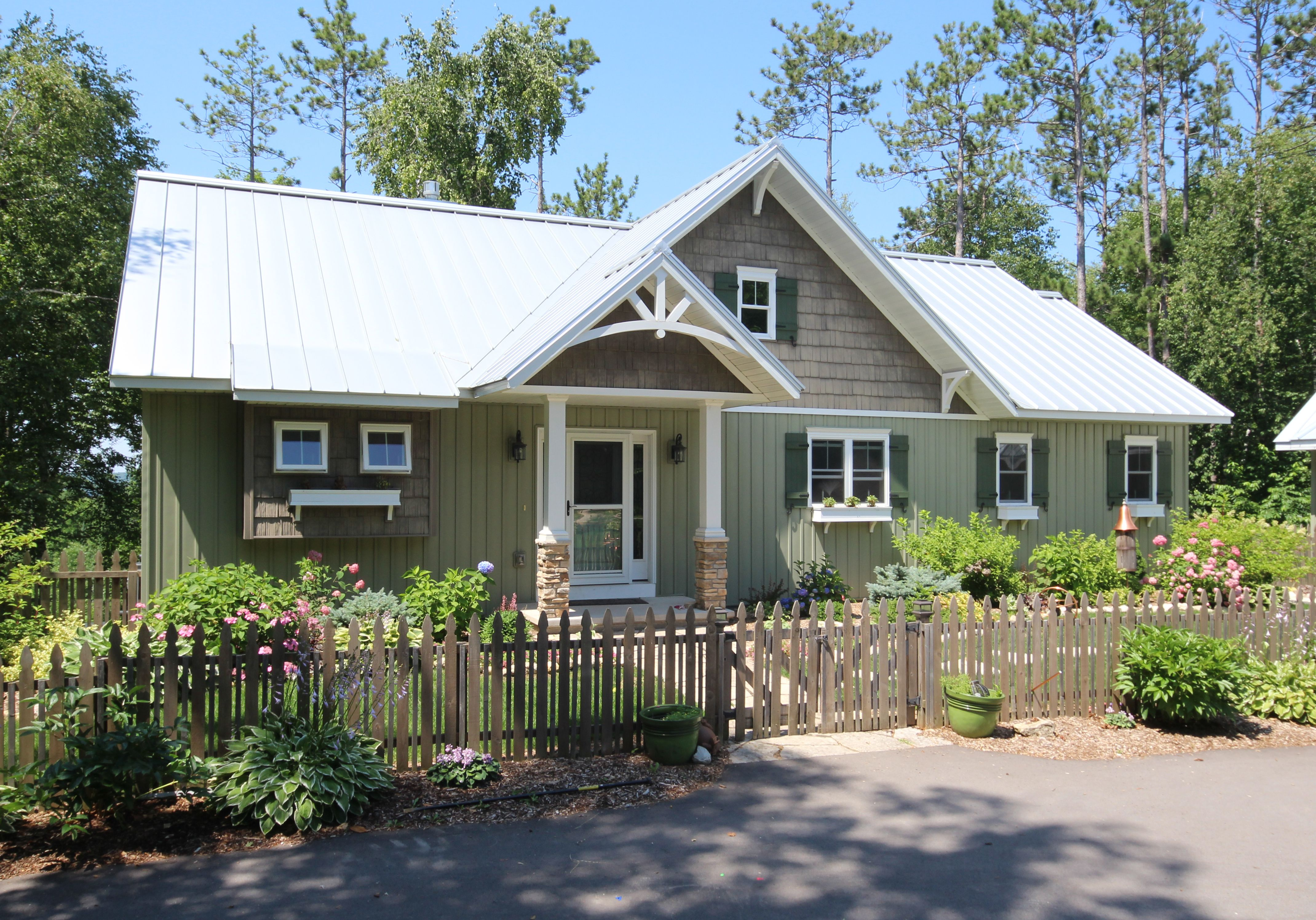 Newly constructed country style home custom built and designed by portside builders also rh pinterest