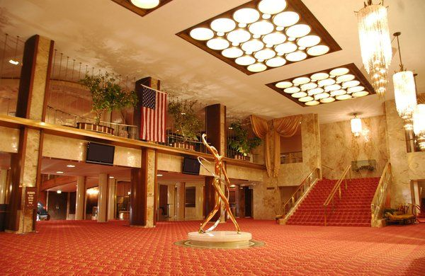 Fisher Theater Main Lobby 3011 W Grand Blvd New Center Detroit House Styles Beautiful Homes Detroit