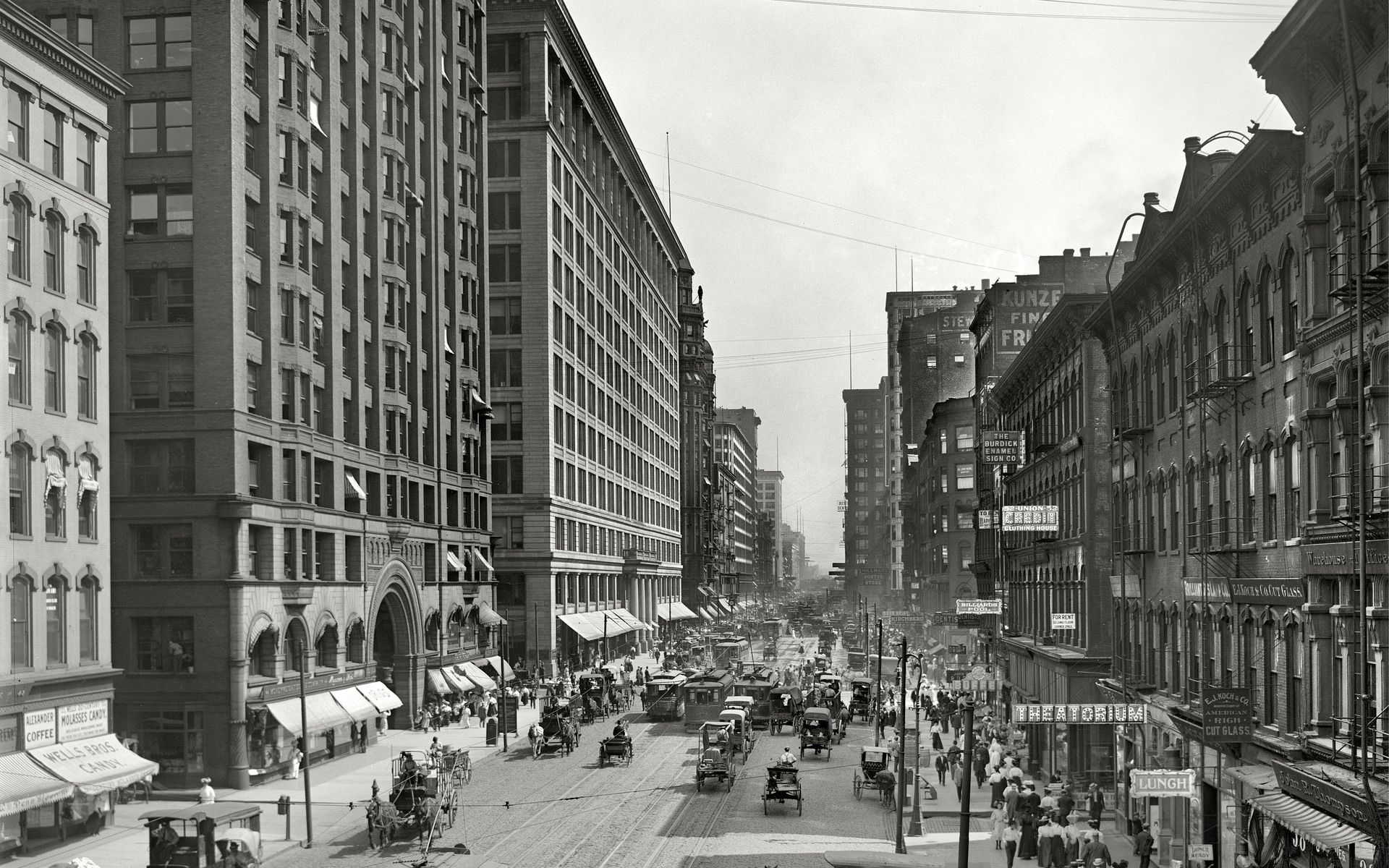 """Chicago, 1907. """"State Street south from Lake Street."""" by"""