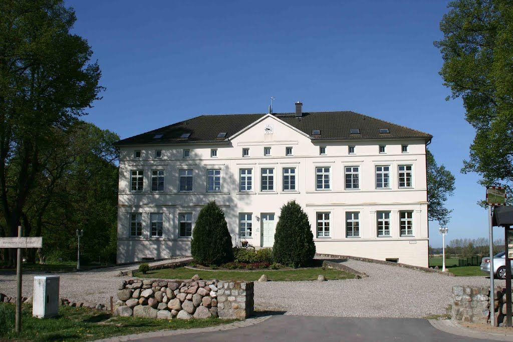 Panoramio - Photo of Herrenhaus Rerik-Blengow