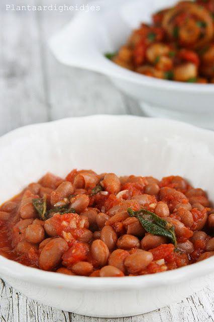 bonen met salie-tomatensaus