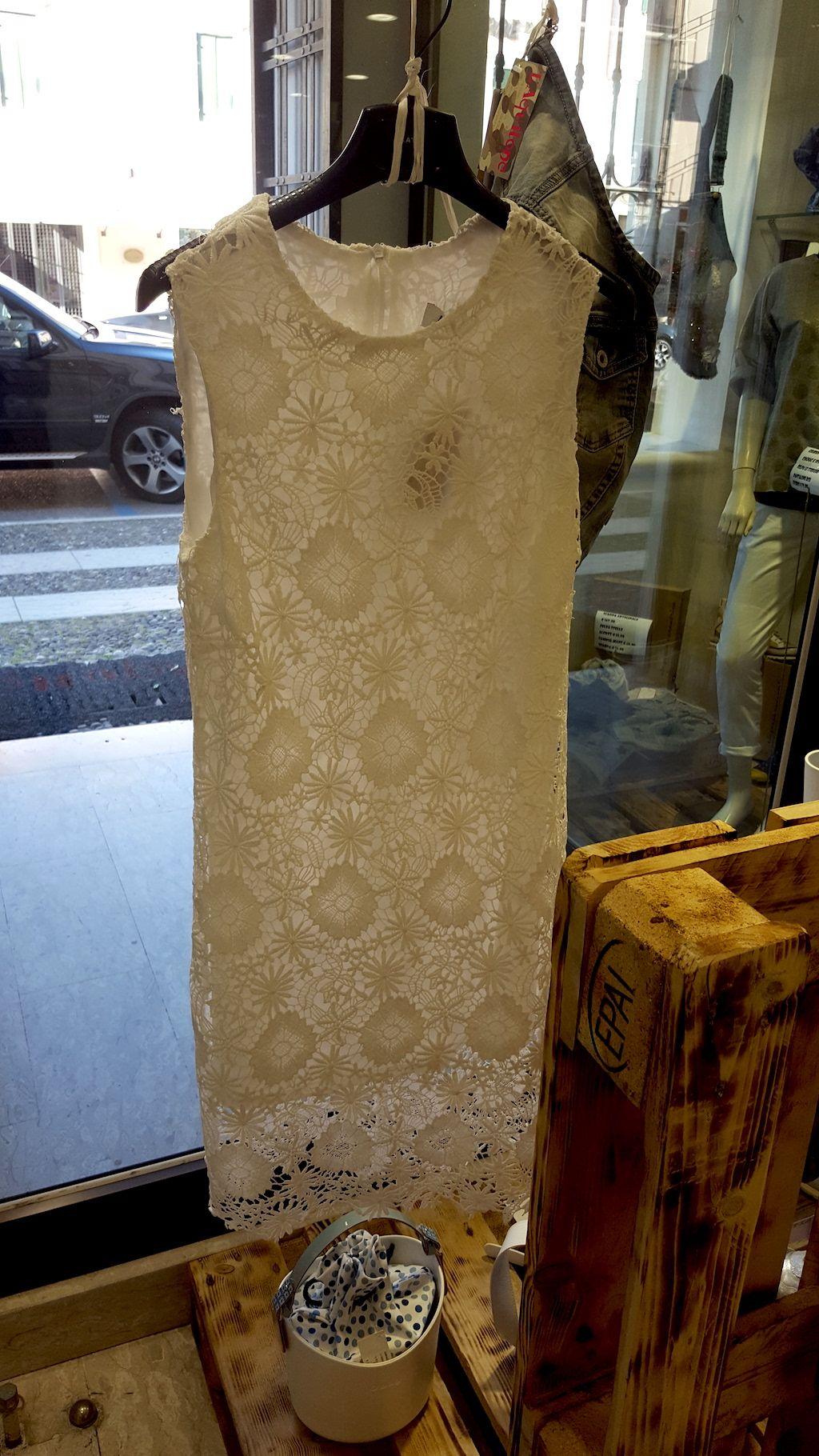 abito pizzo modello ricamo azienda KATE collezione