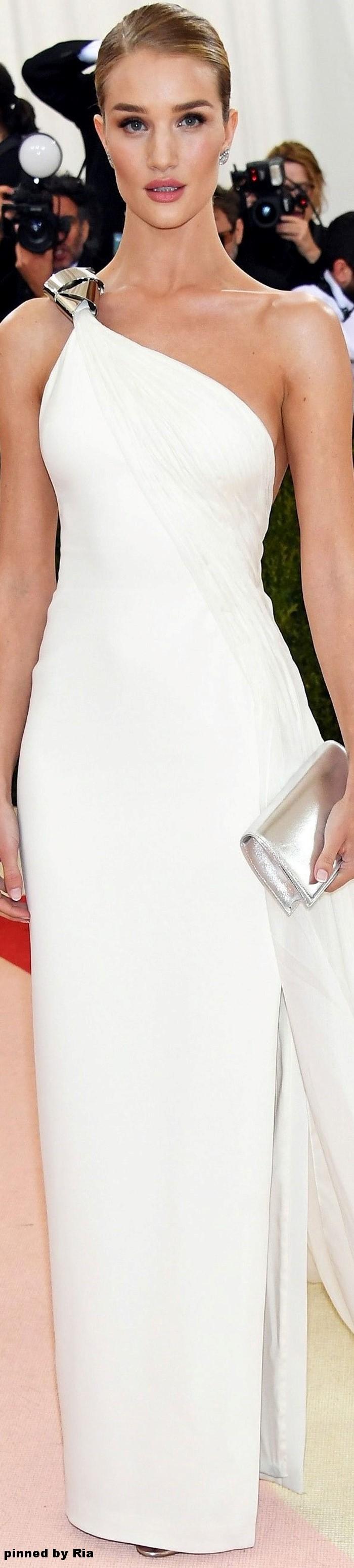 Rosie Huntington Whiteley in Ralph Lauren l Met Gala 2016 l Ria