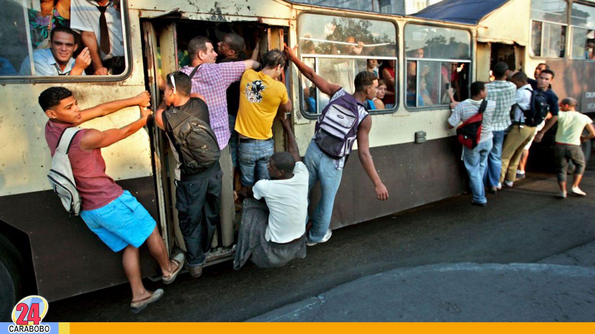Camellos De Cuba Los Extintos Buses De La Habana Actualidad Internacional La Habana Cuba Camello