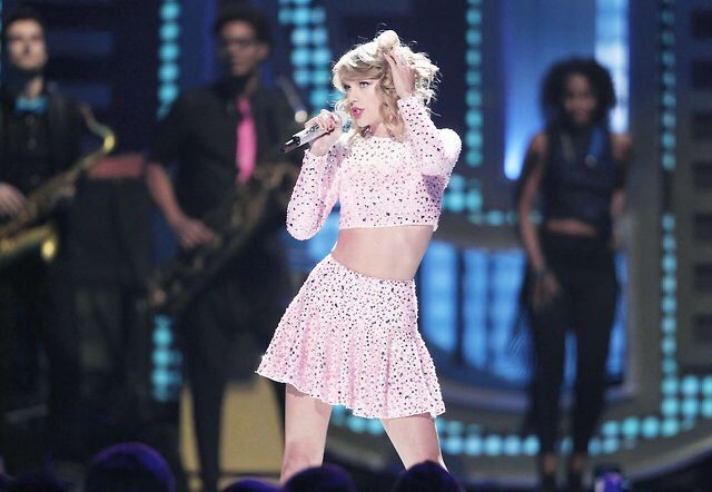 Taylor performs at the 2014 IHeartRadio Music Festival September 19th