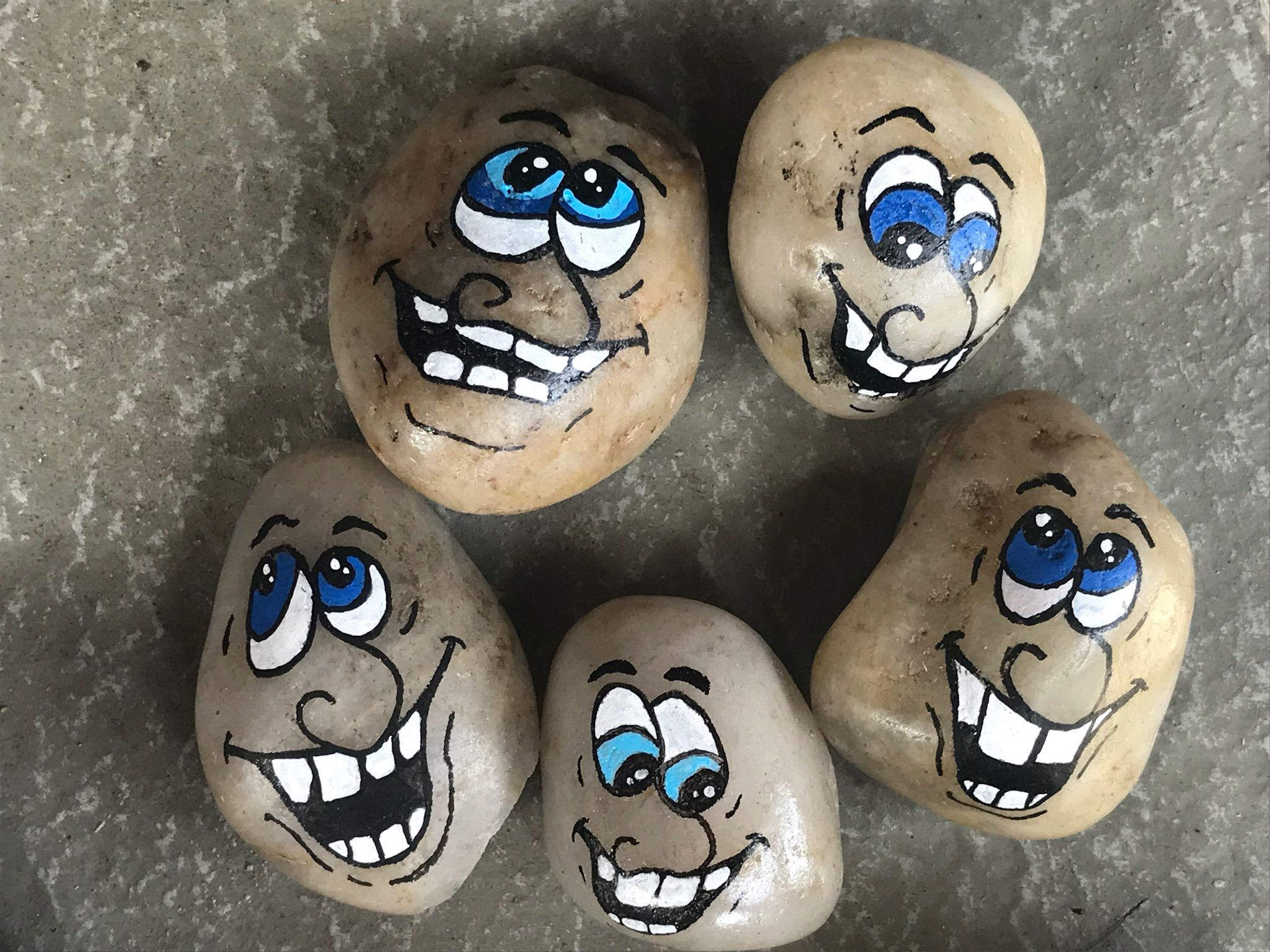 Painted Rocks Funny Faces Painted By Carrie Freeman Painted Rocks Funny Paintings Mandala Painted Rocks