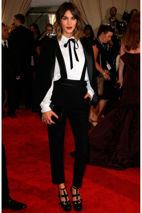 Always one to try and stand apart from the crowd, Alexa Chung decided to eschew a frock entirely for the evening in 2010, and instead opted for a fashion-forward androgynous look in this 3.1 Phillip Lim trouser suit. (2010)