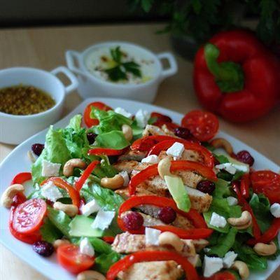 Kolorowa Salatka Z Grillowana Papryka Konkurs Ryneczek Lidla Salad Caprese Salad Caprese