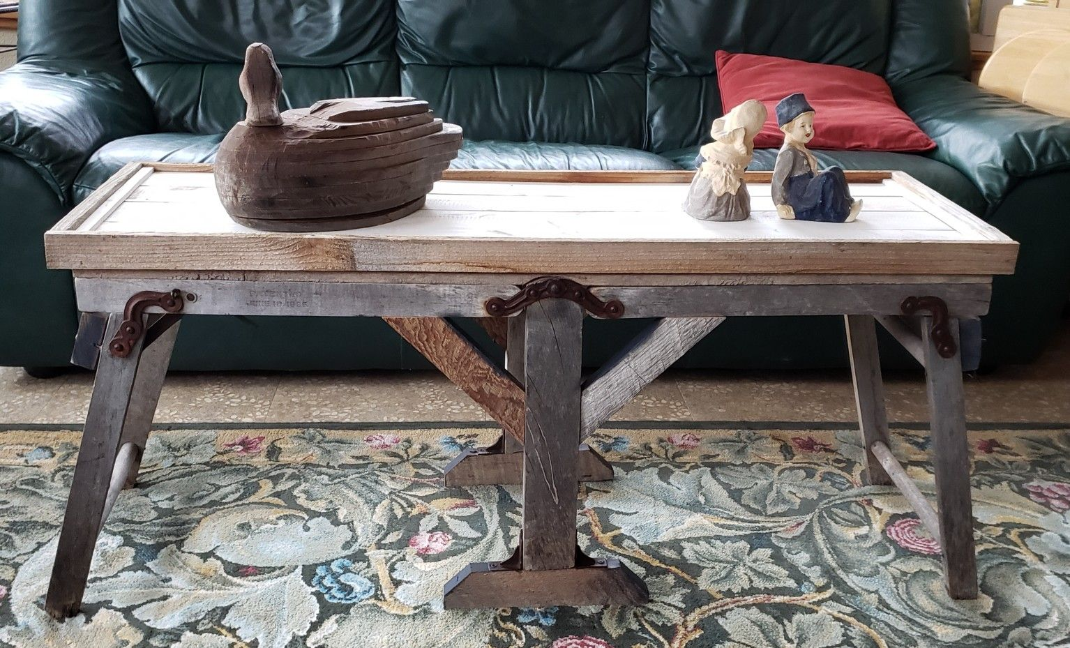Turn The Base Of Antique Wash Tubs Into A Perfect Coffee Table By