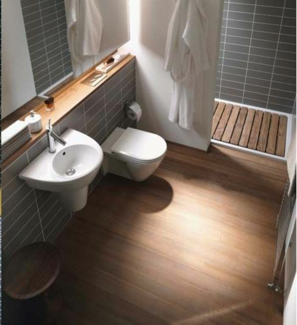 Trotz Mancher Empfehlungen, Große Fliesen Für Kleines Bad Zu Vermeiden,  Schließen Wir Diese Variante Nicht Aus. In Einzelnen Fällen Kann Das  Gelten, In .