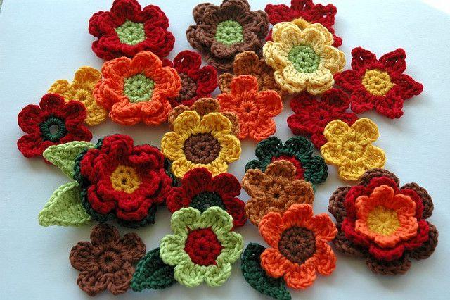 Crochet Flowers in Autumn Colours #autumncolours