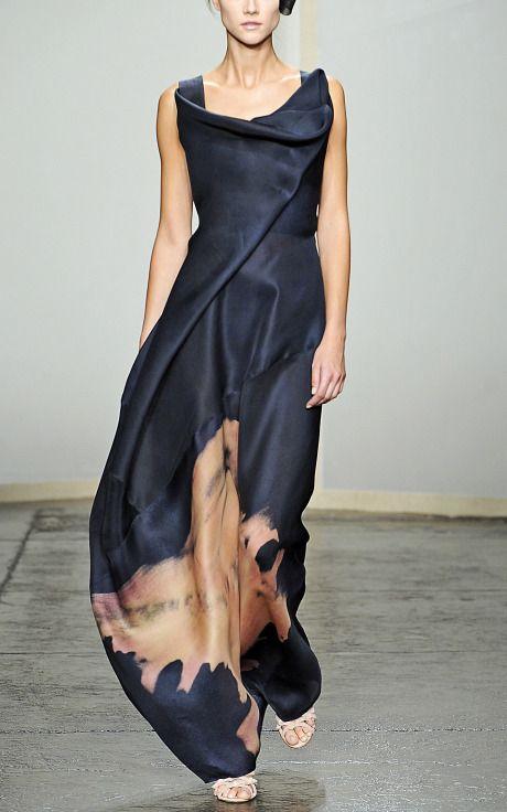 ritajardon:  Sculpted Neckline Evening Gown by Donna Karan :: Moda Operandi