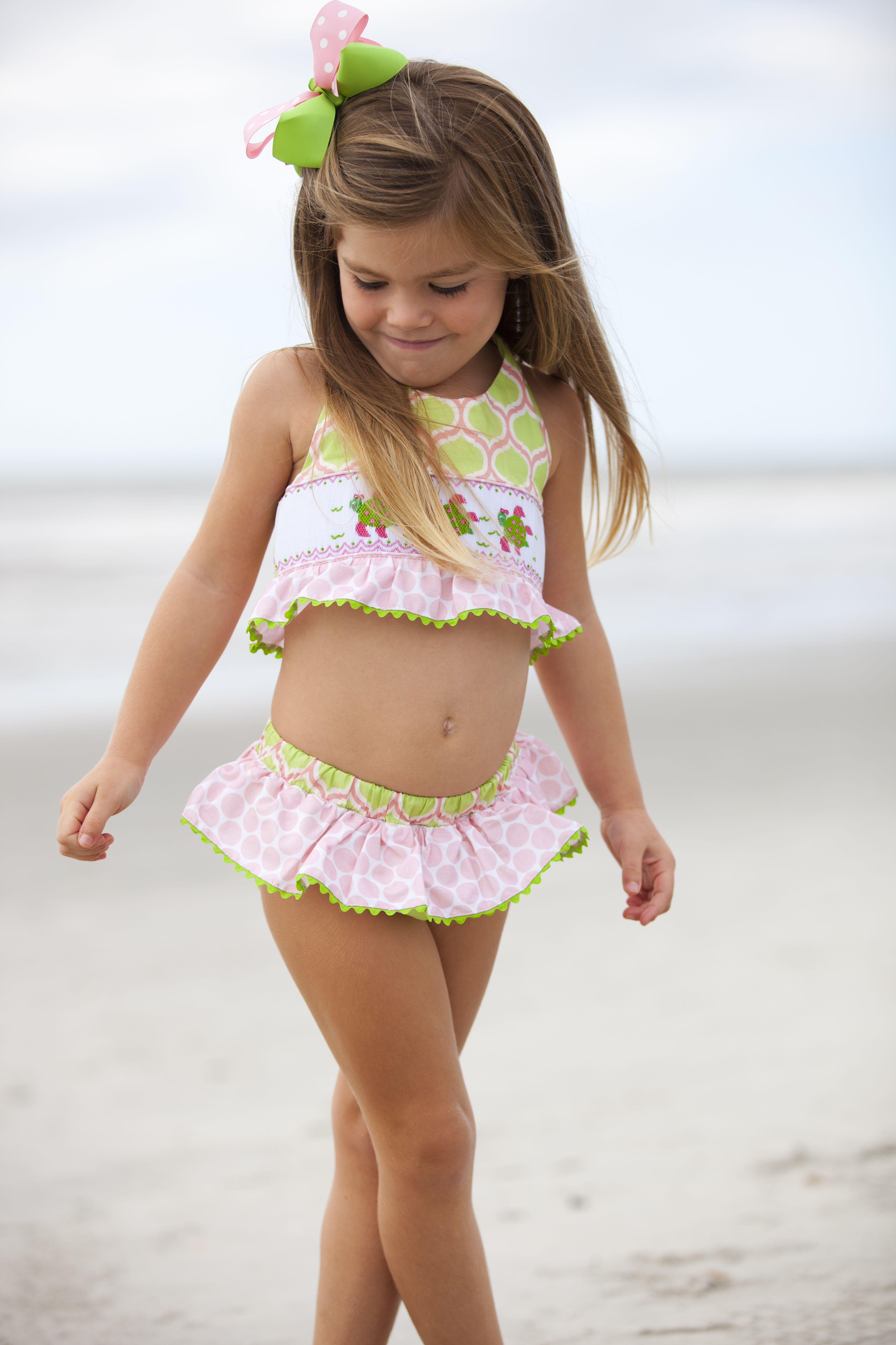litastmaterlo.gq's large selection of girls' swimwear ranges from funky two-pieces to warm cover-ups, popular board shorts, and basic one-pieces. Keeping kids protected while wearing their favorite colors and patterns is easy with a variety of swimwear for girls, from UPF 50+ rash guards to .
