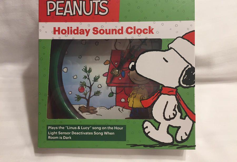 Peanuts Christmas Musical.Peanuts Christmas Holiday Musical Sound Quartz Clock Snoopy