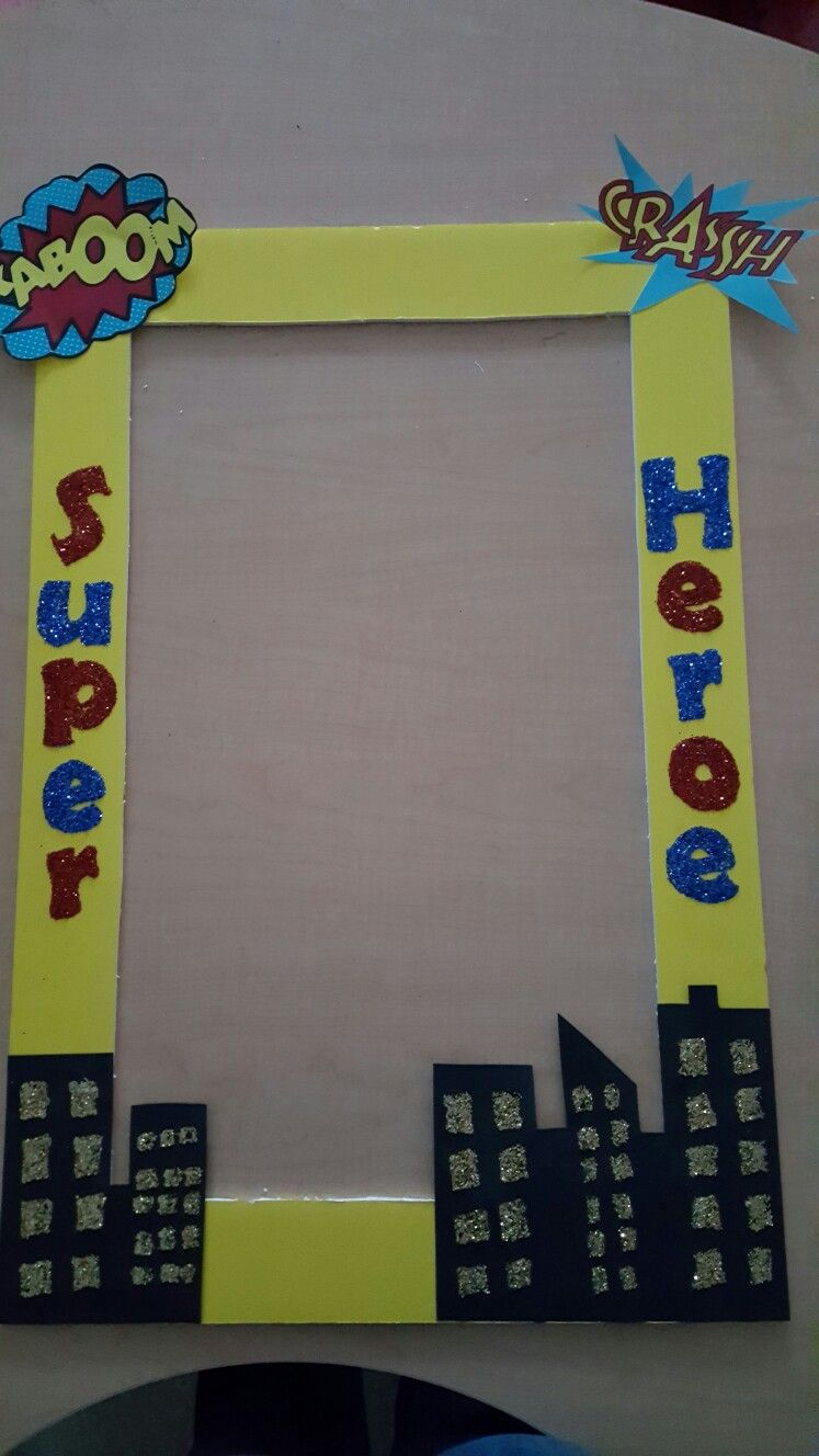 simple photo frame for super hero party basteln malen. Black Bedroom Furniture Sets. Home Design Ideas